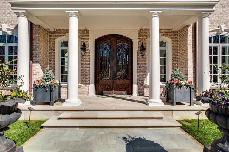 Kelly Clarkson's Front Door- celebrity front door